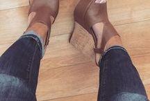 Cipők, Ruhák,Körmök