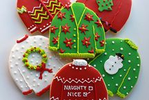 Decorated Christmas sugar cookies / Roll and cut out sugar cookies decorated for Christmas