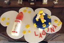Tauf Kuchen / Tauf Kuchen für Ladina und Leandro. Taufkertze-Kuchen: ist mit Himbeerfüllung. LALELU-Kuchen: ist mit Erdbeerfüllung und Rahm.
