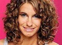 Penteados de cabelos médios encaracolados