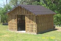 sheds / by Cyndie Geries