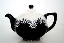 Hand painted teapot / by TheBabyHandprintCo