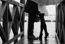 Casal Com Guarda Chuva