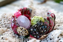 Baubbles, Beads & Pretty Things / DIY jewelry; Necklaces, rings, bracelets How to's