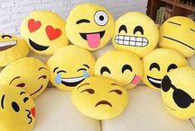 Emojis pillow s / Something to hug