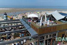 AT THE BEACH NL