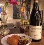 Kruisheren aan de Bar / Wekelijks wisselend aperitief met 2 bijpassende tafelhapjes: € 12, 50 voor 2 personen! / by Kruisherenhotel Maastricht