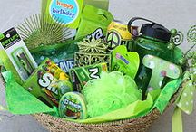 Gift Baskets / by Selena Mezquita