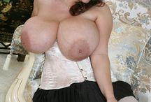 Breasts - Nadine Jansen