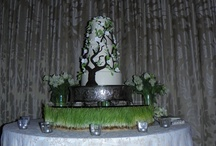 Cake Flowers by Apple Blossoms / Cakes we have decorated with flowers.  www.abweddingstampa.com