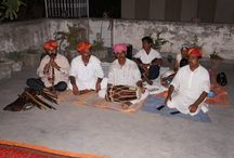 Rajasthani concert / We had the chance to welcome the group Rajasthani on Sunday night on our rooftop! They performed from 8 to 11 in front of a thrilled audience! Rajasthani is an indian group of musicians and dancers.