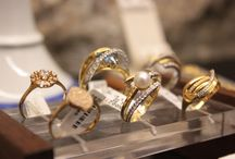 // Jewlery / We do this since 1935. We have customers since then that buy our Jewelry.