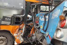 18 lesionados en colisión de buses del Transantiago / Personal de rescate del Cuerpo de Bomberos de Santiago (CBS) concurrió a emergencia vehicular producida en la intersección de Av. Gladys Marín y Av. Del Pa