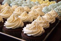 Cupcakes: Frostings, Tips & Pics / by Pamela Roudybush