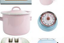 Ιδέες και Λύσεις για την Κουζίνα! / Είμαστε μαμάδες και περνάμε πολλές ώρες την ημέρα φτιάχνοντας καλούδια για τα μικρά μας. Προσωπικά έχω τρέλα με διάφορα μικρά γκατζετάκια που ομορφαίνουν και είναι χρήσιμα στην κουζίνα μου. Έχω βρει τα καλύτερα! Ρίξτε μια ματιά ίσως σας φανούνε χρήσιμα...