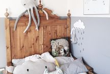 Grey and white kidsroom