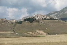 Umbria - Italy / (my foto) / by Tiziana Bergantin