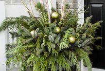 outdoor christmas arrangements