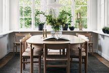 owalny stół