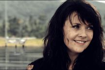 Dr. Helen Magnus-Sanctuary / play by: Amanda Tapping