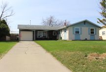 Lovely 4 Bedroom Ranch for sale by PropertyUp Team in Carol Stream, IL / If you are looking for Carol Stream real estate this home is one of the best available.  It is in a great location with convenience of shopping and more nearby.