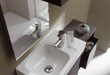 Sphinx | 345xs / De badkamerserie Sphinx 345 xs is eigentijds en flexibel. Deze speciale serie biedt diverse compacte (hoek)fonteinen, een verkort wandcloset en diverse wastafels, die rekening houden met de behoefte aan ruimte | www.sphinx.nl | wastafel | sanitair | badkamer | design | interieur | interieurdesign | interiordesign