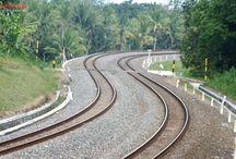 Kereta Ngebut (by Dhannie Setiawan)