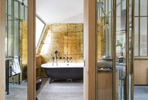 La Salle de Bains /// The Bathroom / salle de bains bathroom bathtub baignoires vasques  douche shower