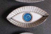 Ceramic decorative plates
