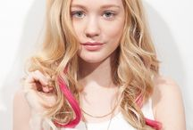 Spotlight / GET COLOUR CREATIVE On-the-go fashion is easy with this playful clip-in collection. Snap in fun and experimental hair pieces, boasting a host of vibrant shades, extra body and length. Available in three naturally curved styles – including J Curl, Romance Curl and Body Wave – enjoy mixing and matching. Go on, get creative!