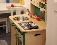 Life of Kids. Ideen fürs Kinderzimmer und zum Verschenken / Abseits von strikter Geschlechtertrennung gibt es hier einfach Spielzeug und Einrichtungsideen für Kinder. Im Idealfall genderneutral