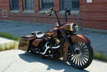 Bikes / Harleys
