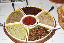 ricette - bruschette e condimenti / by Mariellam