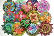 Brooches / by Susanna Eslin