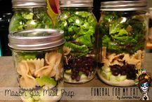 Food... MASON JAR MEALS / by Sarah Martina Parker