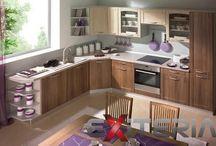 Kuchyne / Krásne kuchynské linky, ktoré disponujú dostatkom úložného miesta pre kuchynské potreby. Kuchyne v rôznych farbách a zostaveniach.