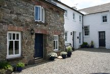 Ty Gwilym Holiday Cottages, St Davids / Ty Gwilym Holiday Cottages are in the heart of St Davids and we have three cottages: Ty Gwilym (sleeps six); Bwthyn Lil (sleeps four) and Bwthyn Gwe (sleeps two). Off street parking, lovely gardens, free Wifi.