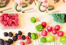 Букеты из ягод цветов и фруктов