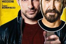 Loro Chi? / #EdoardoLeo e #MarcoGiallini sono i protagonisti di #LoroChi? dietto da #FrancescoMicciche e #FabioBonifacci, dal 19 novembre al cinema.