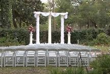 Sweetwater Branch / Charming bed and breakfast venue in downtown Gainesville with beautiful gardens and reception hall.