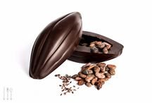 Chocolate Cocoa Pods / Some of our amazing Chocolate Cocoa Pods, made from Single Origin Dark, Milk & White chocolate...