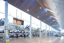 Aeropuerto de Vigo / El aeropuerto de Vigo se encuentra situado en los términos municipales de Mos, Redondela y Vigo, a nueve kilómetros del centro urbano de Vigo y a 28 de la ciudad de Pontevedra. http://ow.ly/Gx8jo