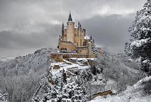 Országok nevezetességei  ## / Több ország kastélya,nevezeteségei