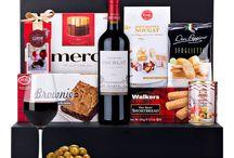 Cadeaumand | Paniers-Cadeaux / Bestel online een geschenkmand met champagne, pralines, wijn en andere delicatessen.     |                                             Dans notre boutique en ligne, vous pouvez commander une large gamme de panniers cadeaux.