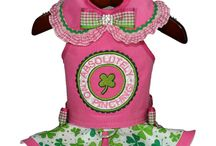 St. Patty's Designs / We don't have to be Irish to celebrate this fun holiday.  We can definitely be all irish for a day and what a perfect outfit to show we know how to celebrate like the Irish!
