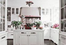 Kitchens / by Debra Honeycutt