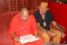 Sak Yant Tattoo gezegend door Thaise monnik