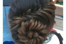 Hair-Raising Ideas / Hair ideas for when I'm not feeling so lazy / by Jasmine H
