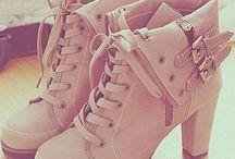 Botine (Shoes)