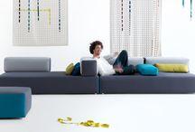 Leolux / Leolux meubels zijn net zo uniek als de mensen voor wie ze worden gemaakt. Bij Smellink Wonen + Design kunt u een persoonlijk Leolux meubel samen stellen uit een groot aantal modellen, bekledingen, kleuren en comfortopties.